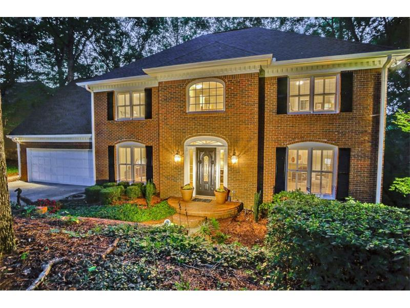 4033 River Cliff Chase, Marietta, GA 30067 (MLS #5745119) :: North Atlanta Home Team