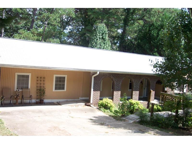 2116 Windsor Drive, Snellville, GA 30078 (MLS #5745447) :: North Atlanta Home Team