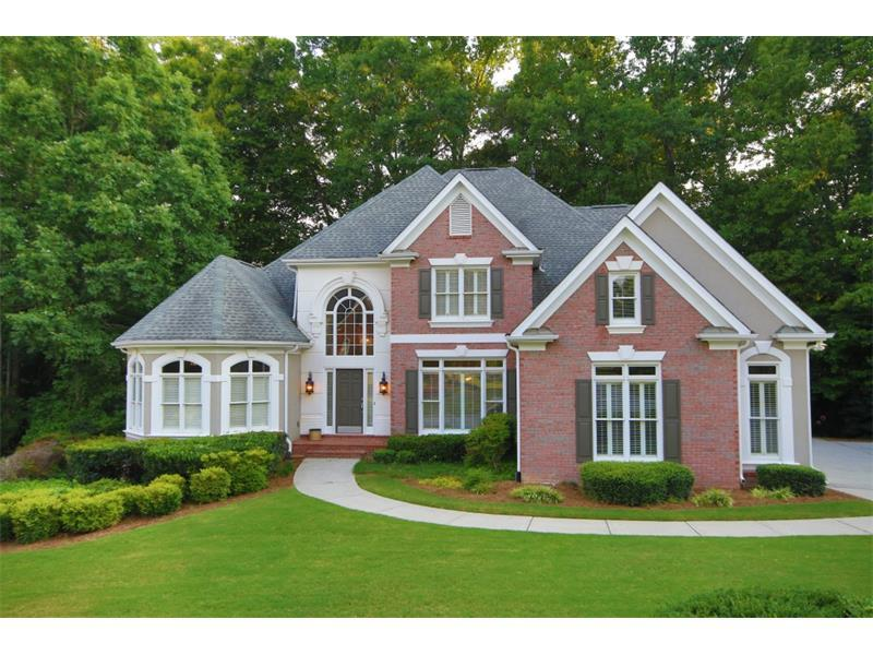 525 W Magnolia Circle, Alpharetta, GA 30005 (MLS #5746171) :: North Atlanta Home Team