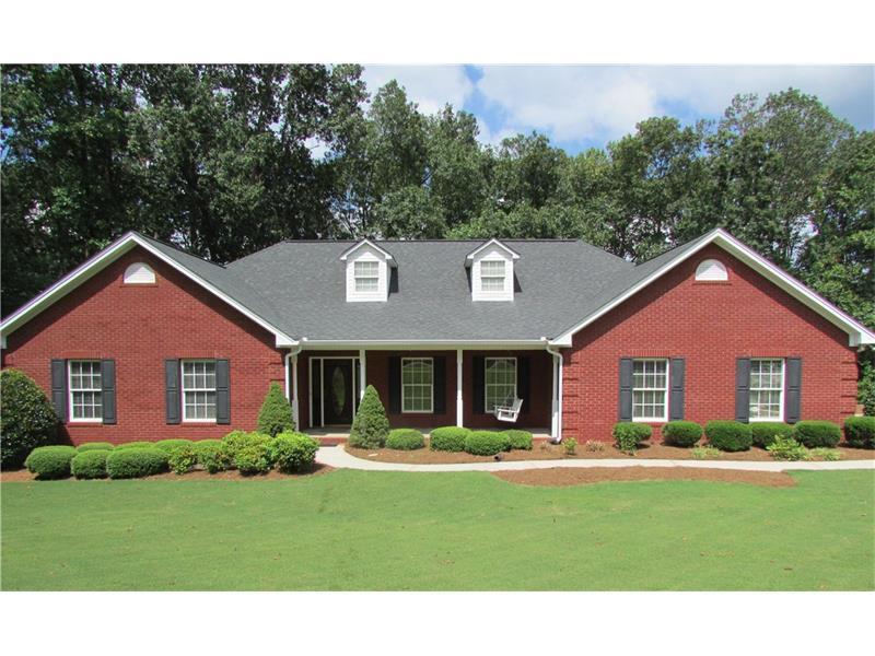 8301 Jensen Trail, Gainesville, GA 30506 (MLS #5746999) :: North Atlanta Home Team
