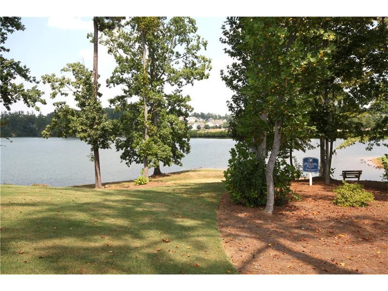 8080 Stillmist Drive, Fairburn, GA 30213 (MLS #5747114) :: North Atlanta Home Team