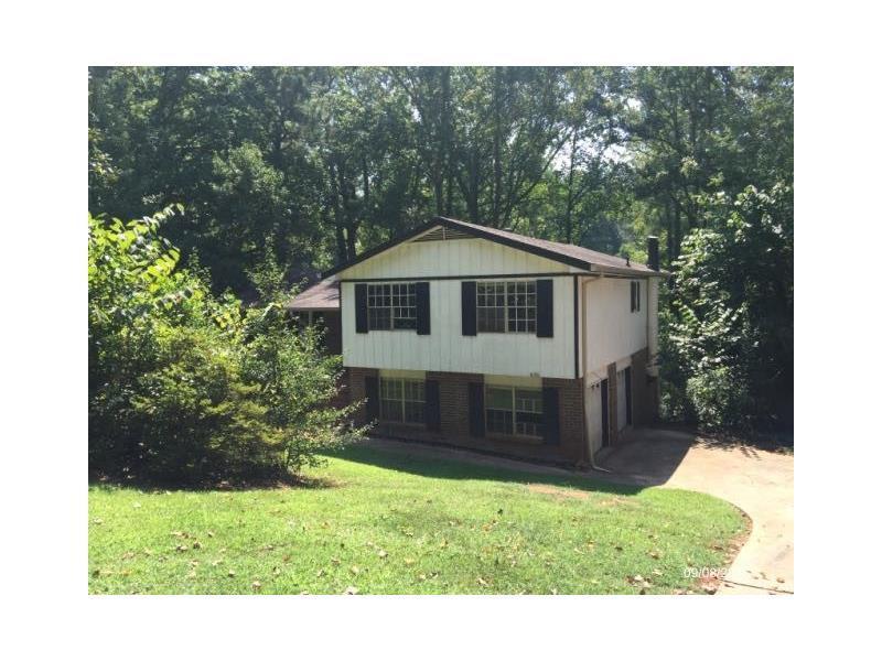 635 Navarre Drive, Stone Mountain, GA 30087 (MLS #5748273) :: North Atlanta Home Team