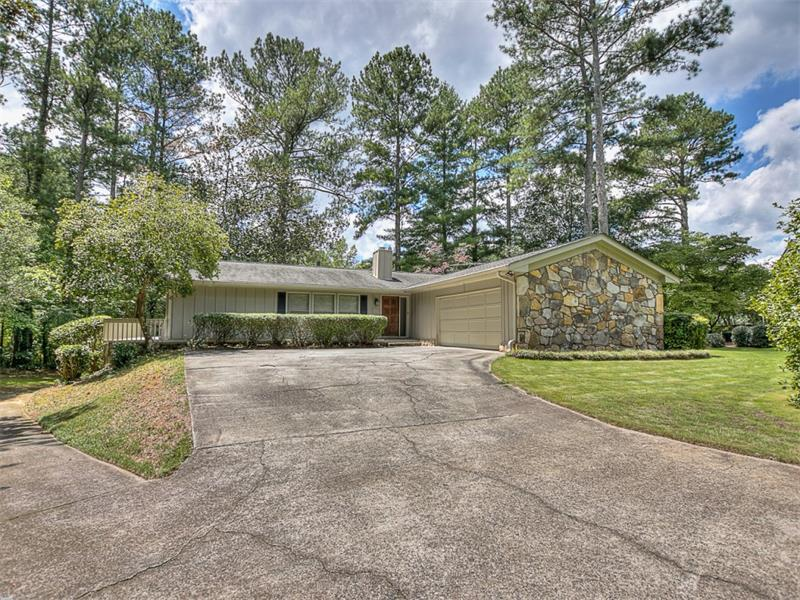 1000 Martins Lake Close, Roswell, GA 30076 (MLS #5748721) :: North Atlanta Home Team