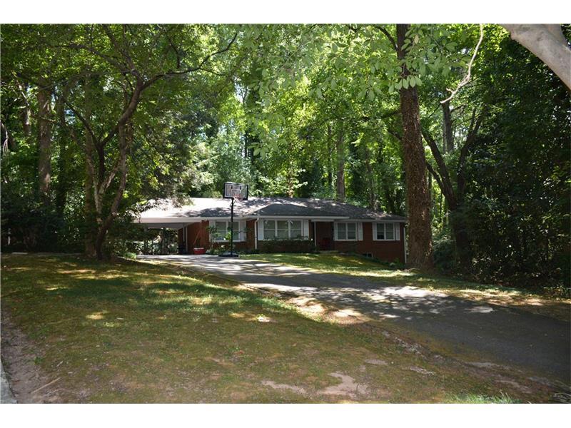 5745 Mountain Creek Road, Sandy Springs, GA 30328 (MLS #5748776) :: North Atlanta Home Team