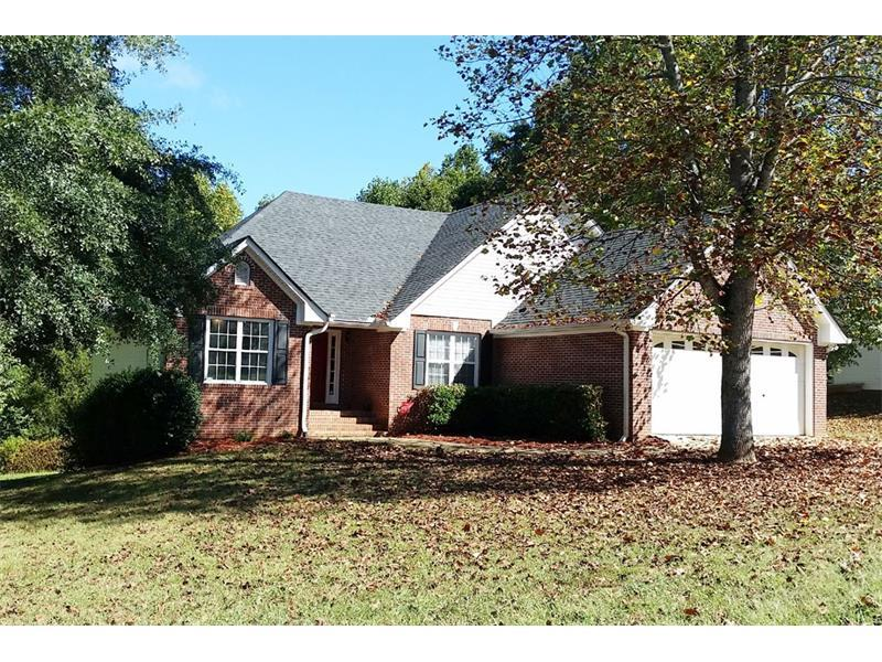 7122 Cedar Hill Drive, Gainesville, GA 30507 (MLS #5749700) :: North Atlanta Home Team