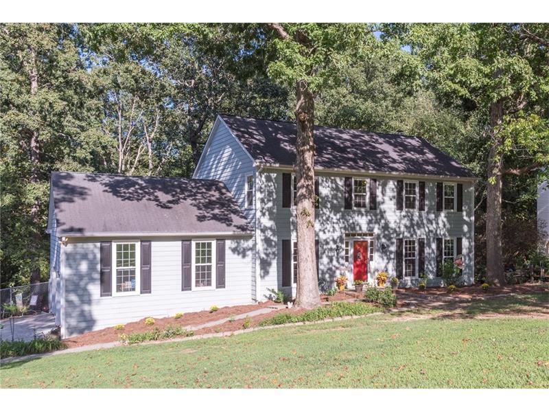 1686 Hunters Trace SW, Lilburn, GA 30047 (MLS #5749711) :: North Atlanta Home Team
