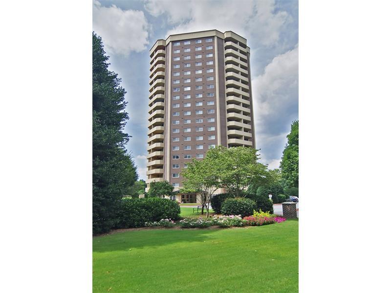 1501 Clairmont Road #1211, Decatur, GA 30033 (MLS #5750212) :: North Atlanta Home Team