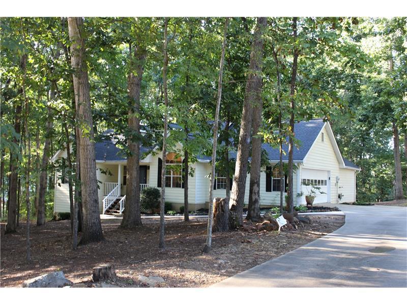 114 Creek View Drive, Hoschton, GA 30548 (MLS #5750440) :: North Atlanta Home Team