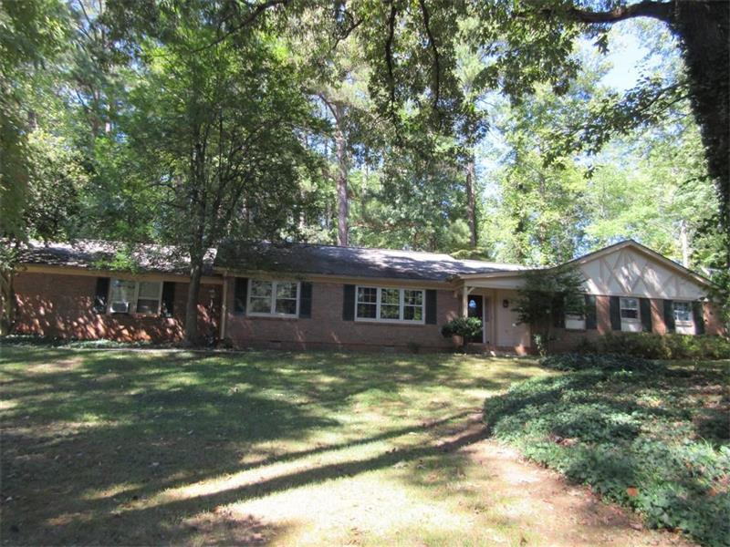 700 Spalding Drive, Sandy Springs, GA 30328 (MLS #5750842) :: North Atlanta Home Team