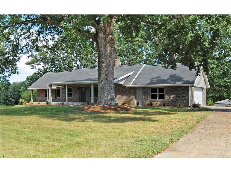 5236 Clarks Bridge Road, Gainesville, GA 30506 (MLS #5751342) :: North Atlanta Home Team
