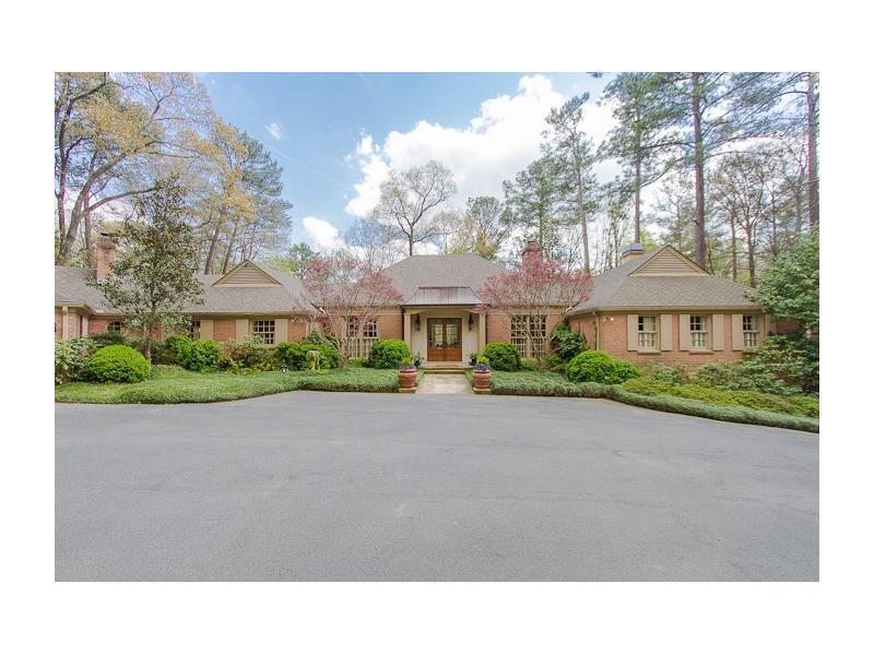 2660 W Wesley Road NW, Atlanta, GA 30327 (MLS #5751562) :: North Atlanta Home Team
