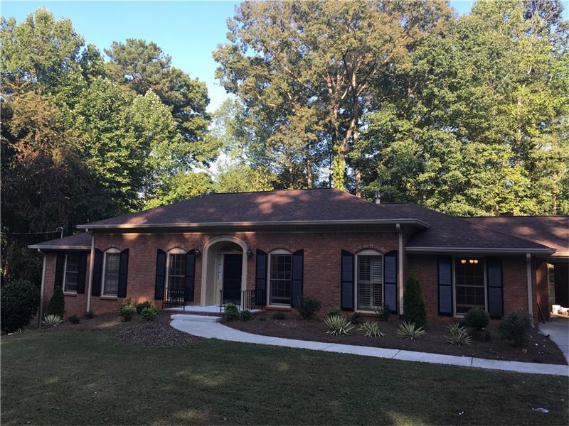 880 Richmond Hill Drive, Marietta, GA 30068 (MLS #5751684) :: North Atlanta Home Team