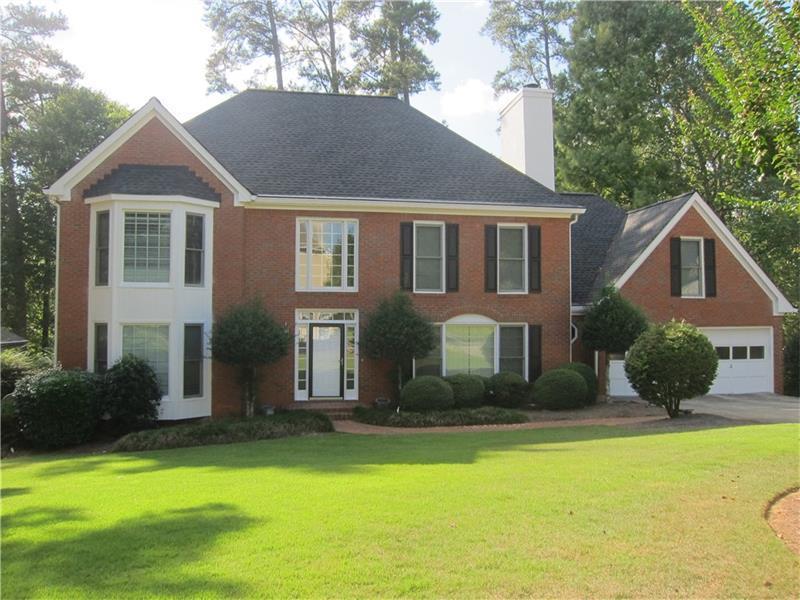 871 Chestnut Lake Drive NE, Marietta, GA 30068 (MLS #5751915) :: North Atlanta Home Team