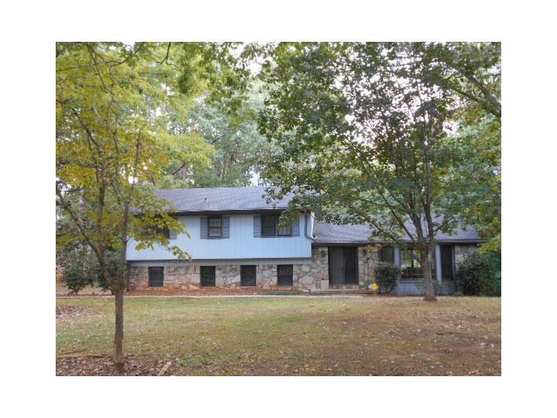 460 Hickory Hills Trail, Stone Mountain, GA 30083 (MLS #5752228) :: North Atlanta Home Team