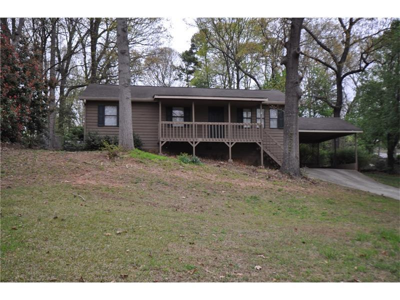 2300 Mohawk Trail, Acworth, GA 30102 (MLS #5752398) :: North Atlanta Home Team