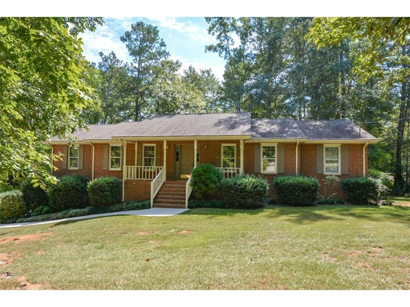 145 Tanglewood Drive, Fayetteville, GA 30214 (MLS #5755398) :: North Atlanta Home Team