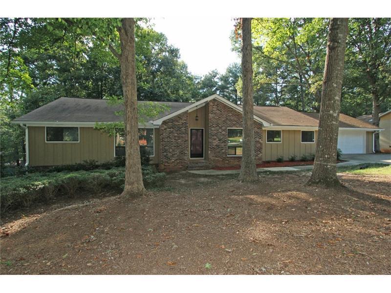 2123 Tudor Castle Circle, Decatur, GA 30035 (MLS #5755502) :: North Atlanta Home Team