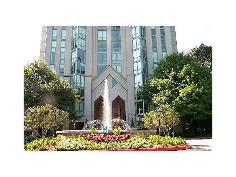 2870 Pharr Court S #2704, Atlanta, GA 30305 (MLS #5755725) :: North Atlanta Home Team