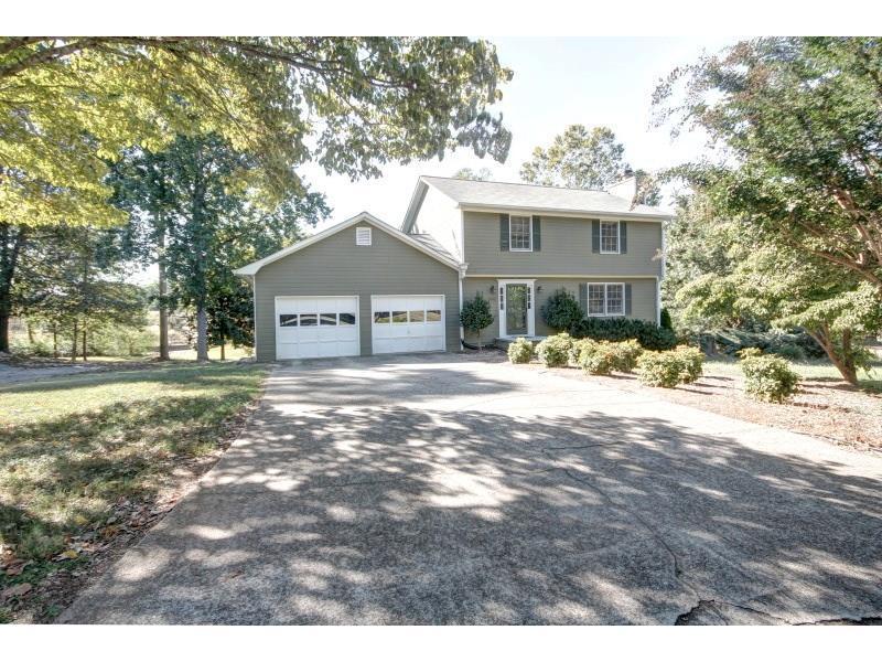 4893 Hawk Trail NE, Marietta, GA 30066 (MLS #5755774) :: North Atlanta Home Team