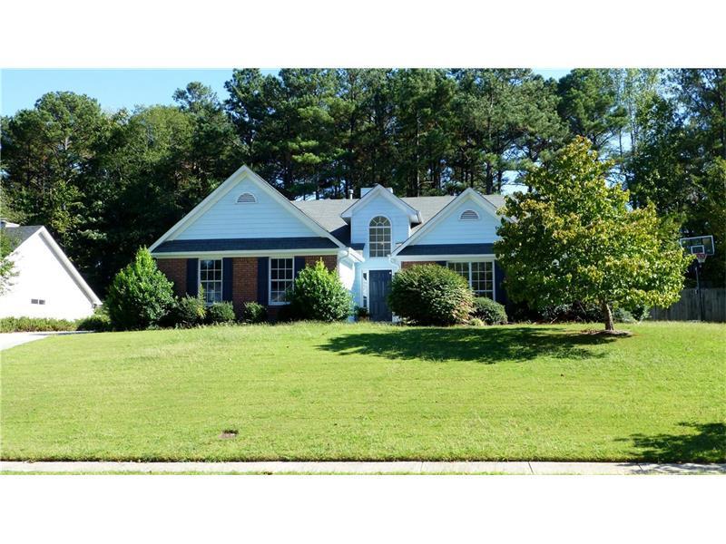 1989 Manor Oak Lane, Buford, GA 30519 (MLS #5755777) :: North Atlanta Home Team