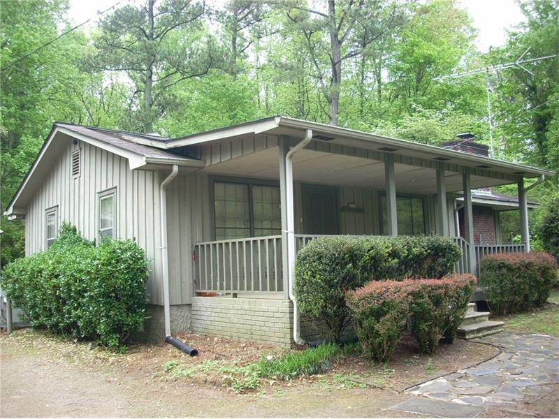 2219 Athens Highway, Gainesville, GA 30507 (MLS #5756289) :: North Atlanta Home Team