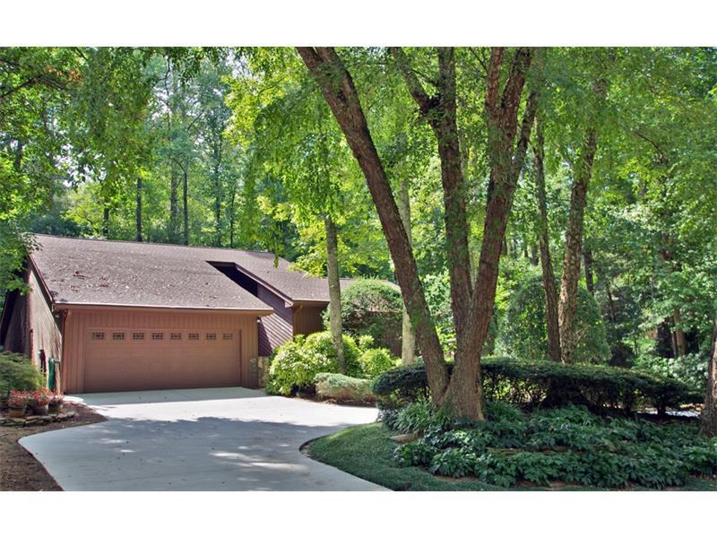 905 Lost Forest Drive, Sandy Springs, GA 30328 (MLS #5756301) :: North Atlanta Home Team
