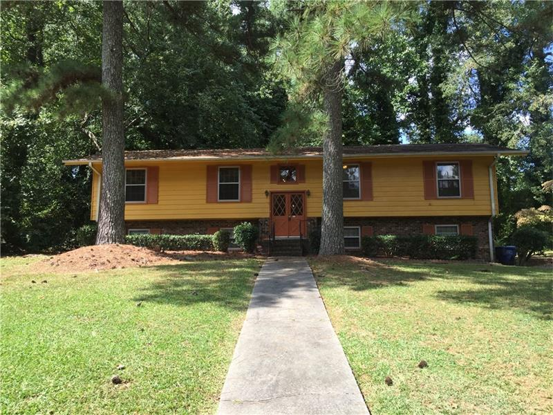 1795 Glenview Drive SW, Atlanta, GA 30331 (MLS #5756529) :: North Atlanta Home Team