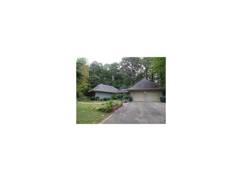 6179 Windsong Way, Stone Mountain, GA 30087 (MLS #5756850) :: North Atlanta Home Team