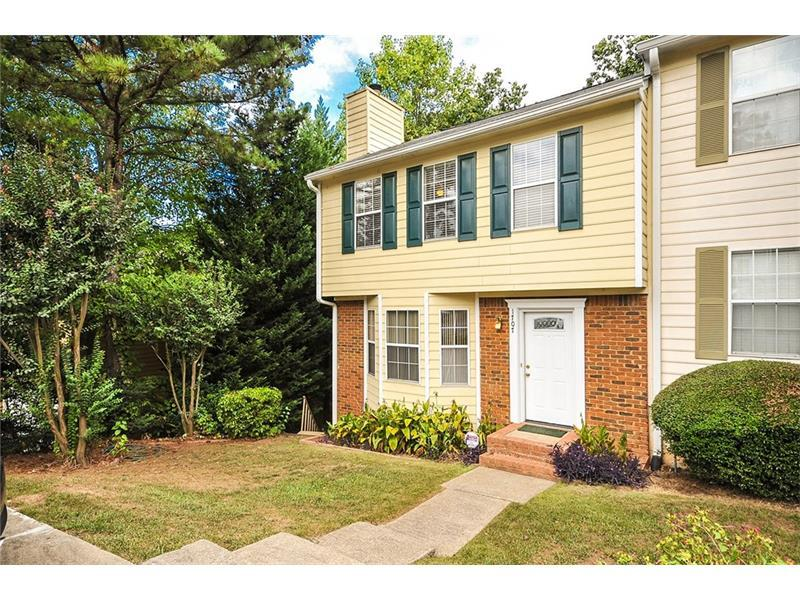 1707 Grist Mill Drive, Marietta, GA 30062 (MLS #5756965) :: North Atlanta Home Team