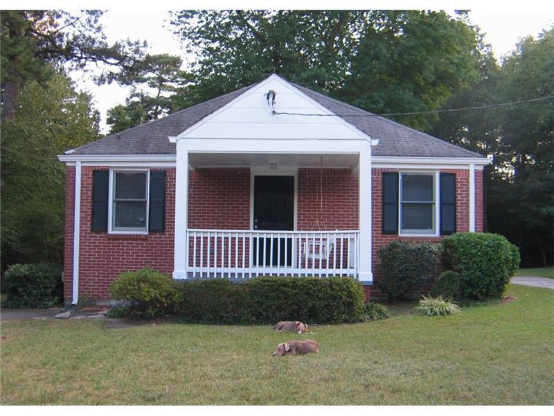 1252 W Ridge Avenue, Stone Mountain, GA 30083 (MLS #5757275) :: North Atlanta Home Team