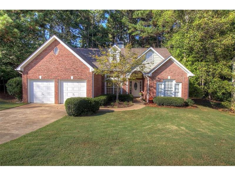 7036 Surrey Drive, Woodstock, GA 30189 (MLS #5757689) :: North Atlanta Home Team