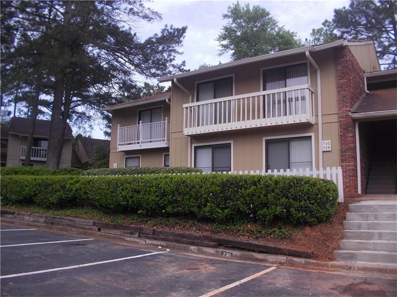 728 Hanover Lane, Marietta, GA 30067 (MLS #5757930) :: North Atlanta Home Team