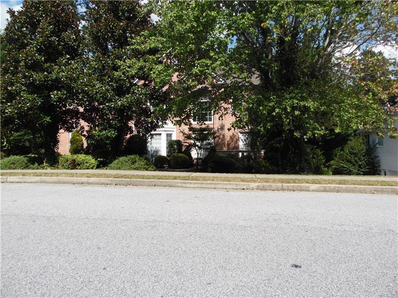 7040 Glen Cove Lane, Stone Mountain, GA 30087 (MLS #5758134) :: North Atlanta Home Team