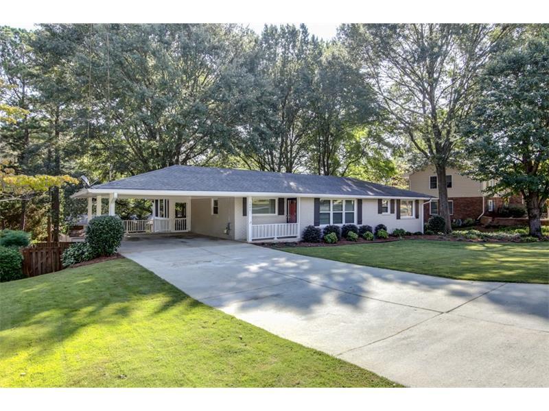 3881 Cherrydale Lane SE, Smyrna, GA 30082 (MLS #5758443) :: North Atlanta Home Team