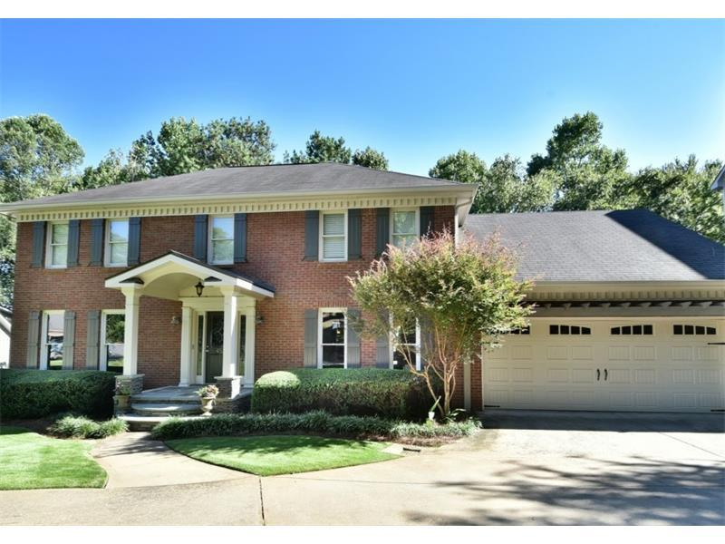 453 Bellflower Court, Roswell, GA 30076 (MLS #5758461) :: North Atlanta Home Team