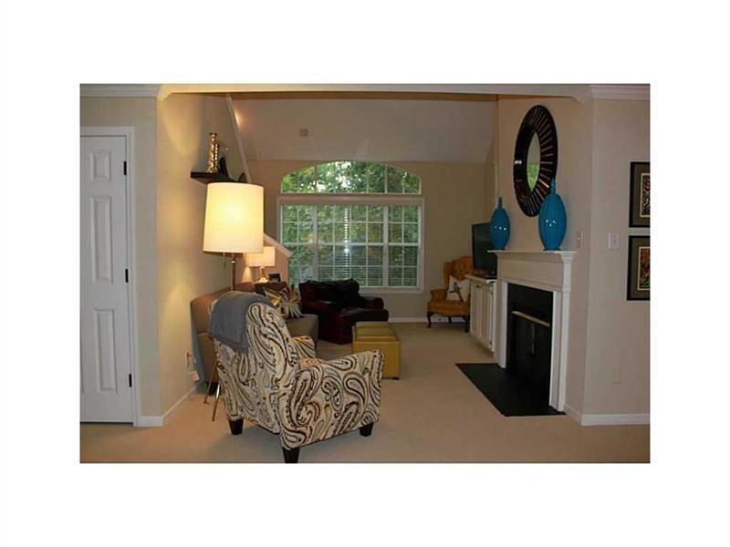 424 Lindbergh Drive #310, Atlanta, GA 30305 (MLS #5758728) :: North Atlanta Home Team