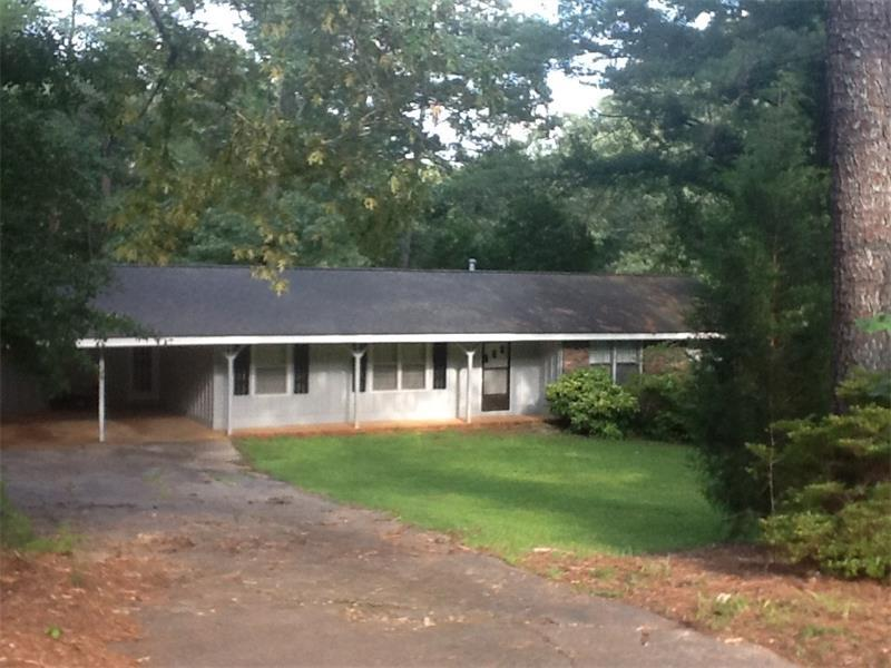 300 Spring Drive, Roswell, GA 30075 (MLS #5758924) :: North Atlanta Home Team