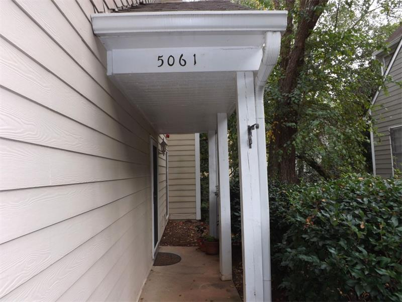 5061 Avalon Drive #5061, Alpharetta, GA 30005 (MLS #5759354) :: North Atlanta Home Team