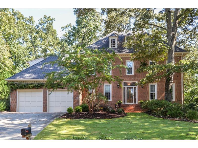 8665 Steeple Chase Drive, Roswell, GA 30076 (MLS #5759720) :: North Atlanta Home Team