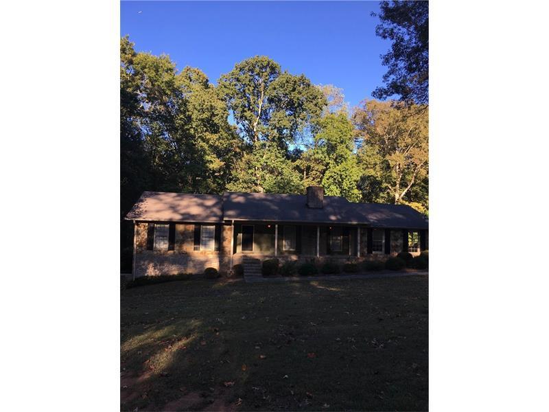622 Ridgeview Drive SW, Lilburn, GA 30047 (MLS #5759808) :: North Atlanta Home Team