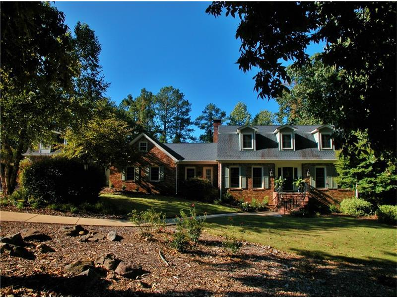 3546 Edgewood Circle, Gainesville, GA 30506 (MLS #5760485) :: North Atlanta Home Team