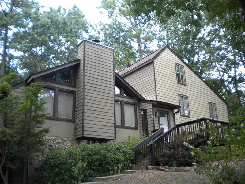 2421 Spring Lake Drive NE, Marietta, GA 30062 (MLS #5760580) :: North Atlanta Home Team