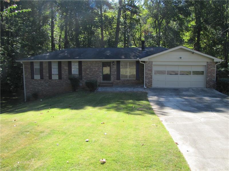 639 Cedrick Lane, Stone Mountain, GA 30087 (MLS #5760665) :: North Atlanta Home Team