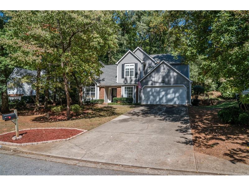 1195 Taylor Oaks Drive, Roswell, GA 30076 (MLS #5760679) :: North Atlanta Home Team