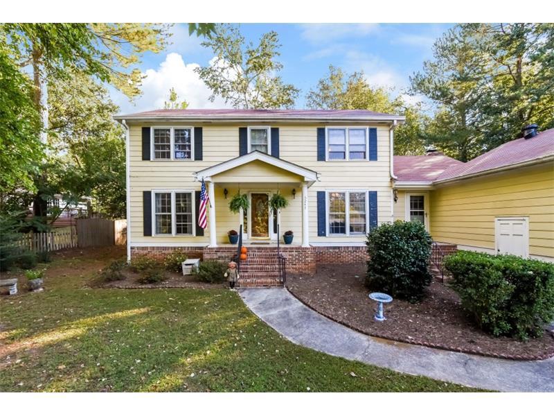 5247 Waterford Drive, Dunwoody, GA 30338 (MLS #5761803) :: North Atlanta Home Team
