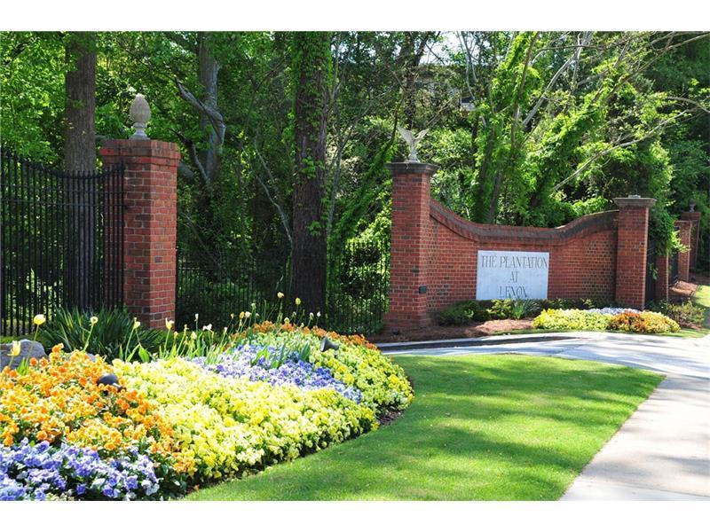 28111 NE Plantation Drive NE #111, Atlanta, GA 30324 (MLS #5761958) :: North Atlanta Home Team