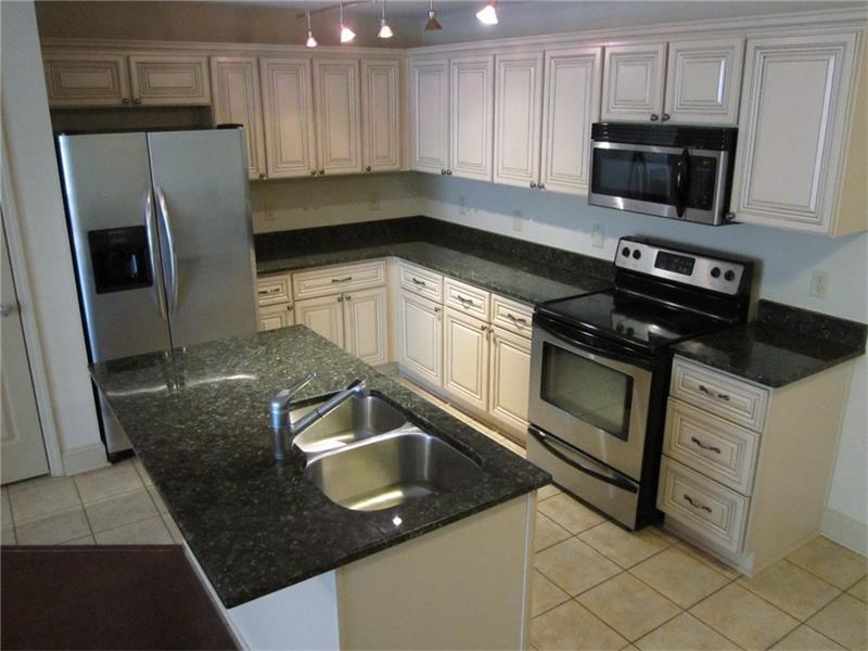 804 Madison Lane SE, Smyrna, GA 30080 (MLS #5762277) :: North Atlanta Home Team