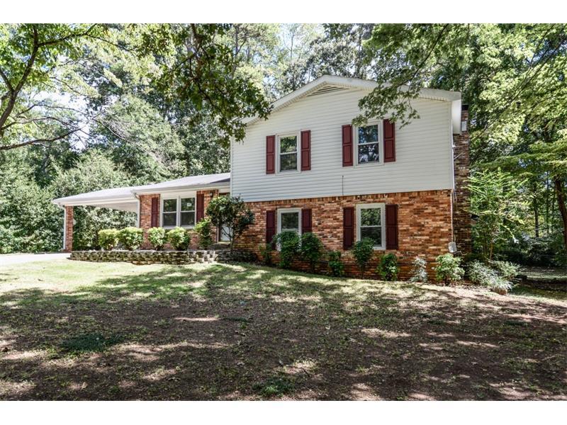 3274 Stanford Circle, Lawrenceville, GA 30044 (MLS #5762679) :: North Atlanta Home Team