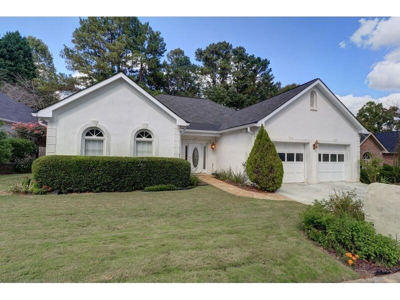 2705 Bridgegate Cove NE, Marietta, GA 30068 (MLS #5763300) :: North Atlanta Home Team