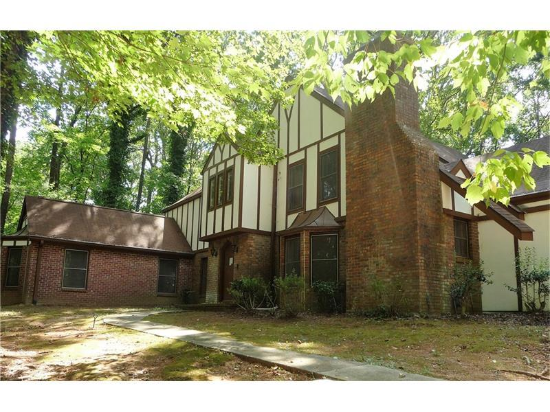 4665 Heatherwood Drive SW, Atlanta, GA 30331 (MLS #5765746) :: Carrington Real Estate Services